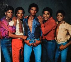 The Jacksons: This is one of my favorite pics of them...they are all beautiful but Jackie is clearly everything <3