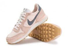 timeless design d119d 93f56 Chaussures Nike Internationalist W rose pâle vue avant