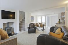 York Cottage has been recently refurbished to a very high standard offering a touch of luxury to your Southwold stay. Cottage, York, Luxury, Holiday, Casa De Campo, Vacations, Holidays, Cabin, Holidays Events