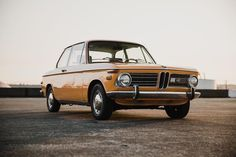 Staring towards the joy of summer. The BMW images for BMW fan Bmw 2002, Bmw Classic, E30, Vehicles, Summer, Supercar, Colour, Color, Summer Time