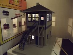 MTH Rail King Illuminated Switch Tower Building For O scale Model Trains 30-9011 #MTH
