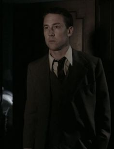 Frank Randall (Tobias Menzies) in Season Two of Outlander on Staz | Through A Glass, Darkly via http://kissthemgoodbye.net/PeriodDrama/thumbnails.php?album=535