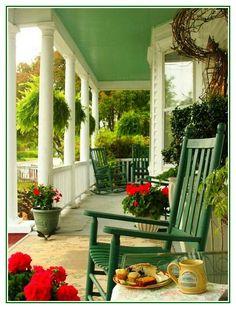 Llke size, rocking chair, paint contrast...nice.