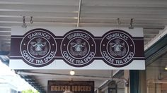 The first Starbucks´ store.