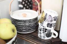 Marmekko Siirtolapuutarha Marimekko, Tea Pots, Sweet Home, Shapes, Mugs, Tableware, Interior, Kitchen, Decoration