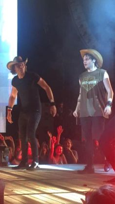 COWBOY HATS + 5SOS = PERFECTION