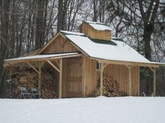 Gathering & Boiling down maple sap to make maple syrup in Northeast Ohio Cool Sheds, Sugar Bush, Shed Design, Cabin Design, Barns Sheds, Small Cottages, Cabin Plans, House Plans, Cabins In The Woods