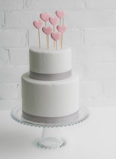 DIY: Fondant Heart Cake Toppers - Project Wedding