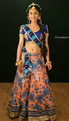 End Customization with Hand Embroidery & beautiful Zardosi Art by Expert & Experienced Artist That reflect in Blouse , Lehenga & Sarees Designer creativity that will sunshine You & your Party. Radha Krishna Songs, Baby Krishna, Cute Krishna, Radha Krishna Pictures, Radha Krishna Photo, Krishna Photos, Indian Bridal Lehenga, Indian Beauty Saree, Radha Kishan