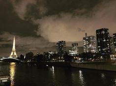 Nice to see you again baby #paris #france #eiffeltower #toureiffel #skyline #night #river #city #travel #explore #instadaily