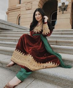 Afghani Clothes, Afghan Dresses, Afghanistan, Traditional Design, Traditional Outfits, Pakistani Outfits, Mehndi Designs, Sari, Model
