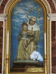Maria SS. della Difesa: regge sulle ginocchia il bambino, senza toccarlo con le sue braccia ...