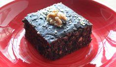 No hace falta que renuncies al dulce de forma definitiva. Prueba este brownie de avena con chocolate de lo más sencillo.