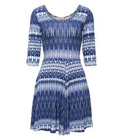 Đầm xòe họa tiết tay lỡ Style
