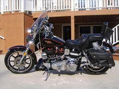 Old Classic Harley-Davidson Motorcycles Harley Davidson Museum, Classic Harley Davidson, Harley Davidson Street Glide, Harley Davidson Sportster, Scrambler Motorcycle, Motorcycle Style, Motorcycle Gear, Triumph Scrambler, Cafe Racer Build