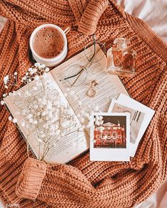 The Gifts Featured Artist reirei_illustration. Autumn Photography, Book Photography, Autumn Aesthetic Photography, Beauty Photography, Portrait Photography, Fall Inspiration, Cozy Aesthetic, Autumn Aesthetic Fashion, Autumn Cozy
