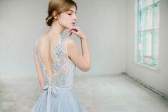 Robe de mariée gris dargent / / Lobelia