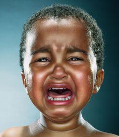 AdictaMente: Niños llorando (¿Hasta donde llegarías por una foto perfecta?)