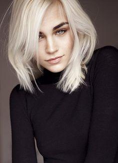 "modelo:  ANASTASIA EREMENKO  Hair: Platinium Blond | Eyes: Blue/Grey | Height: 179cm/5'10.5"" | Bust: 81cm/32"" A | Dress: 32 EU/2 US/4 UK | Waist: 56c..."