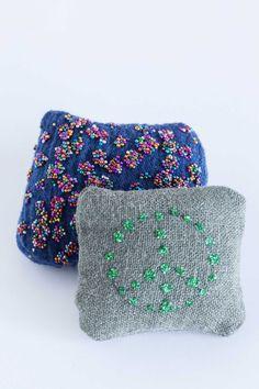 kuva Throw Pillows, Blanket, Crochet, House, Decoration, Interior, Diy, Decor, Toss Pillows