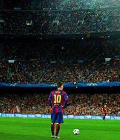 Grande foto de Messi no Camp Nou