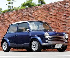 Rover Mini Cooper, Mini Cooper One, Classic Mini, Modern Classic, Classic Cars, Mini Moris, Mini Dealer, Austin Mini, Mini Car