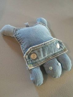 Jean Pocket Turtles Stuffed Toy Recycled Jeans Re-purposed Denim Secret Pocket Turtle Sustainable Living Made With Love Toys Jean Crafts, Denim Crafts, Pocket Craft, Denim Ideas, Recycle Jeans, Sock Animals, Recycled Denim, Diy Toys, Sewing For Kids