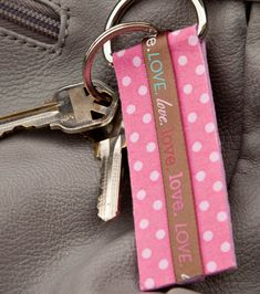 Make yourself a cute key chain with #phoomph from @Coats and Clark