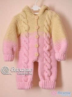 This Pin was discovered by Mam Baby Boy Knitting, Knitting For Kids, Baby Knitting Patterns, Baby Patterns, Free Knitting, Baby Romper Pattern, Jumpsuit Pattern, Baby Overall, Pull Bebe