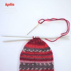 How to knit socks with one ball of Jacquard Symmetric Socks Knitting Socks, Knitted Hats, Knit Socks, Tube Socks, Creative Inspiration, Knit Crochet, Winter Hats, Couture, Cotton