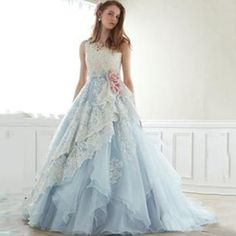 50 Stunning Fall Floral Wedding Gown Source by beautyofwedding Dresses Ball Dresses, Ball Gowns, Prom Dresses, Formal Dresses, Floral Wedding Gown, Wedding Gowns, Floral Gown, Wedding Bridesmaids, Blue Wedding
