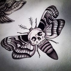 Finishing off one oft flash sheets today with some skulls! Deathmoth finished.