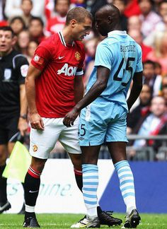 15.Vidic confronts the tosser Ballotelli. Do not f*ck with the Serb!
