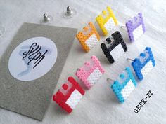 Earrings made of Hama Mini Beads - Geek IT (various colors) - super cute idea. gotta love ye olde floppydiske.