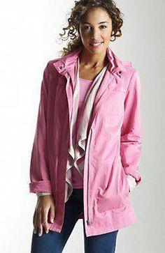 Pink raincoat for a rainy spring. Best Rain Jacket, Black Rain Jacket, North Face Rain Jacket, Rain Jacket Women, Pink Jacket, Vest Jacket, Leather Jacket, Green Raincoat, Hooded Raincoat