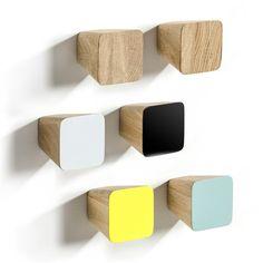Lot de 2 patères Pinza AM.PM : prix, avis & notation, livraison. Ligne simple, esprit scandinave. En accumulation, elles animeront un mur. En chêne, naturel ou peint. Dim. 8 x 8 x 8 cm. Visserie d'accrochage incluse. Vendues par lot de coloris différents ou naturel.