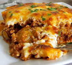 Ingredients: 1 pound ground turkey, browned and drained 1 pkg spicy taco seasoning ounce can Rot*Tel diced tomatoes with lime j. Biscuits Au Four, Sauce Béchamel, Romanian Food, Le Diner, Chicken Fajitas, Taco Seasoning, Lasagna, Macaroni And Cheese, Main Dishes