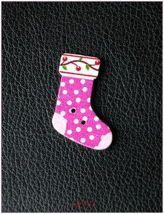 Boutons en bois chaussettes de noël modèle 04 x1 : Boutons par lilycherry
