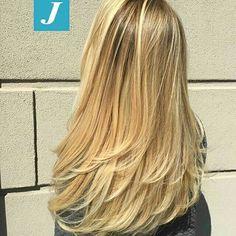 #Repost @centro_degrade_joelle with @repostapp ・・・ La perfezione del Taglio Punte Aria e dei capelli biondi firmati Degradé Joelle. #cdj #degradejoelle #tagliopuntearia #degradé #igers #musthave #hair #hairstyle #haircolour #longhair #ootd #hairfashion #madeinitaly #wellastudionyc