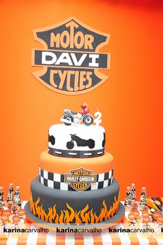 Motorcycle Party - Page 5 of 5 - Paige's Party Ideas Dad Birthday Cakes, Man Birthday, Boy Birthday Parties, Birthday Recipes, Birthday Nails, Happy Birthday, Bolo Harley Davidson, Harley Davidson Birthday, Bolo Motocross