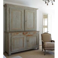 ❣~ Style By Gj *~ A view of the French armoire in aqua peeling paint.home of Carol Glasser Primitive Furniture, Vintage Furniture, Colonial Furniture, Decor Around Tv, Vibeke Design, Deco Design, Paint Furniture, Furniture Sale, Furniture Inspiration