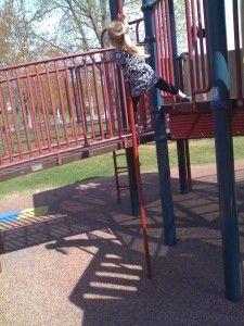 Keeping kids safe at the playground | CTWorkingMoms.com