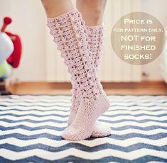 New pattern – Mint Mary Janes - Mon Petit Violon Lace Socks, Knitted Slippers, Crochet Slippers, Crochet Yarn, Double Crochet, Single Crochet, Sport Weight Yarn, Crochet Magazine, Sock Yarn
