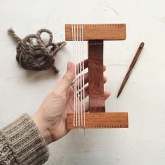 """handmade mini loom with tapestry needle includes : 4"""" x 6"""" wood weaving loom 4 1/2"""" wood tapestry needle linen project bag"""