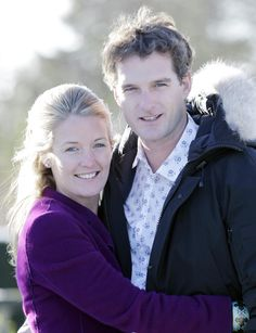 Dan Snow has married the Duke of Westminster's daughter, Lady Edwina Grosvenor, in a ceremony in Liverpool.