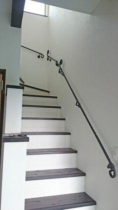 長~いサイズにも対応します。 ロートアイアン手摺り Stair Railing, Stairs, Creative Art, Iron, Doors, Design, Home Decor, Wrought Iron, Verandas