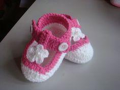 zapatitos crochet niña