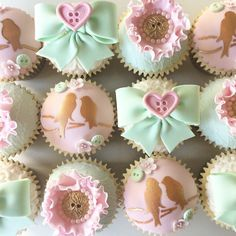 Buttons & Bows Cupcakes