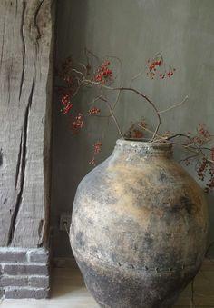 Wettervorhersage für Wabi Sabi Mittwoch - Rustic Home Wabi Sabi, Deco Pastel, Deco Floral, Ikebana, Lime Paint, Deco Nature, Kintsugi, Japanese Art, Japanese Interior