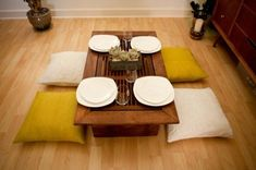 DIY low dining table and cushions, Japanese inspired These days a lot of homes in Japan use Western-style chairs and table although traditional Japanese dining tables are still very popular. Japanese Dining Table, Low Dining Table, Traditional Dining Tables, Japanese Kitchen, Dining Table Design, Kitchen Tables, Japanese Interior Design, Japanese Home Decor, Asian Home Decor